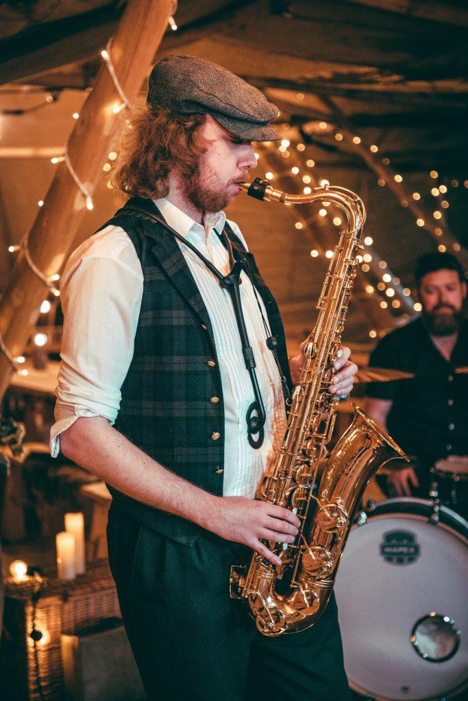 Wedding-saxophonist-hire