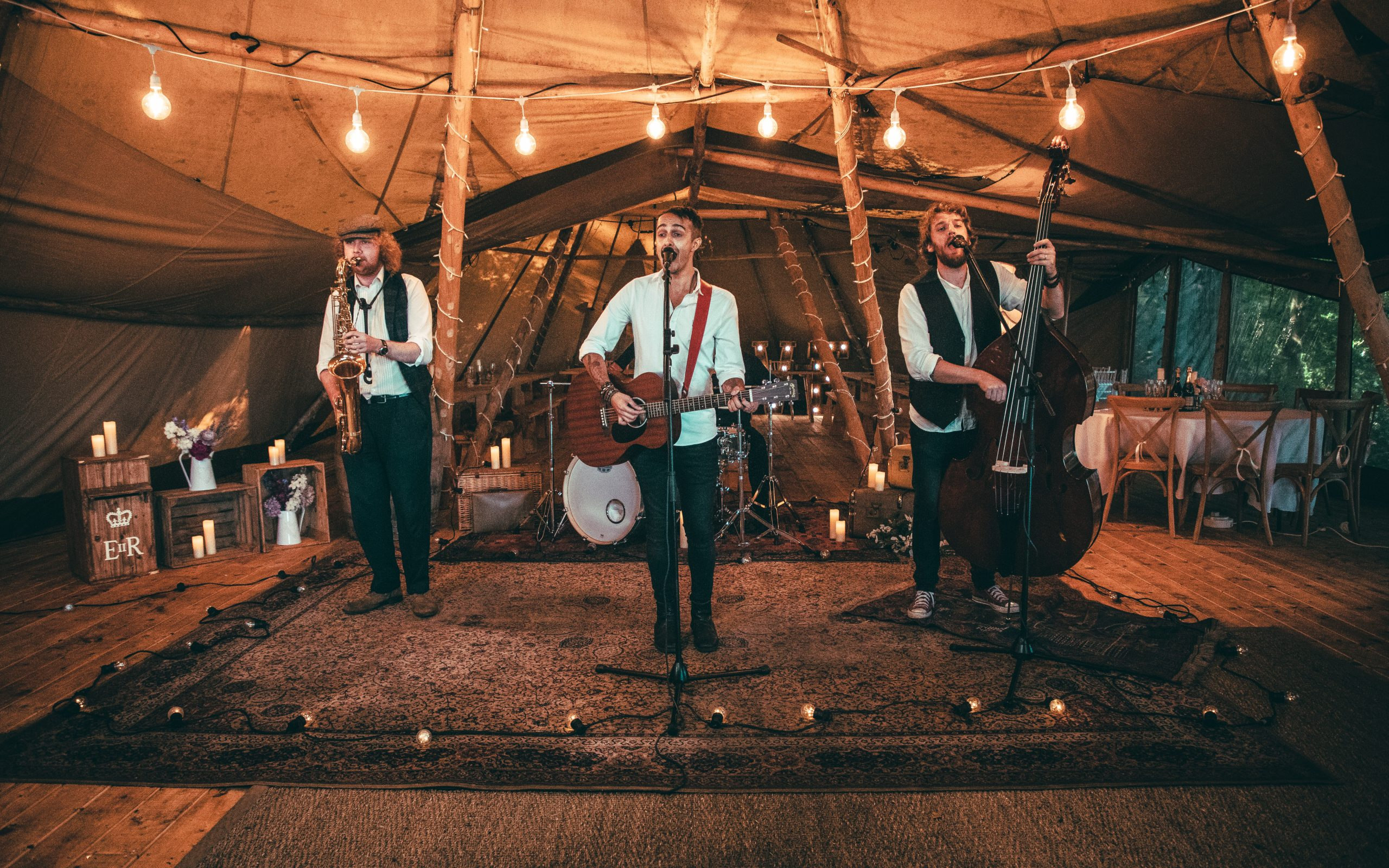 How To Pick a Wedding Band (Music Tips & Choosing YOUR Band)