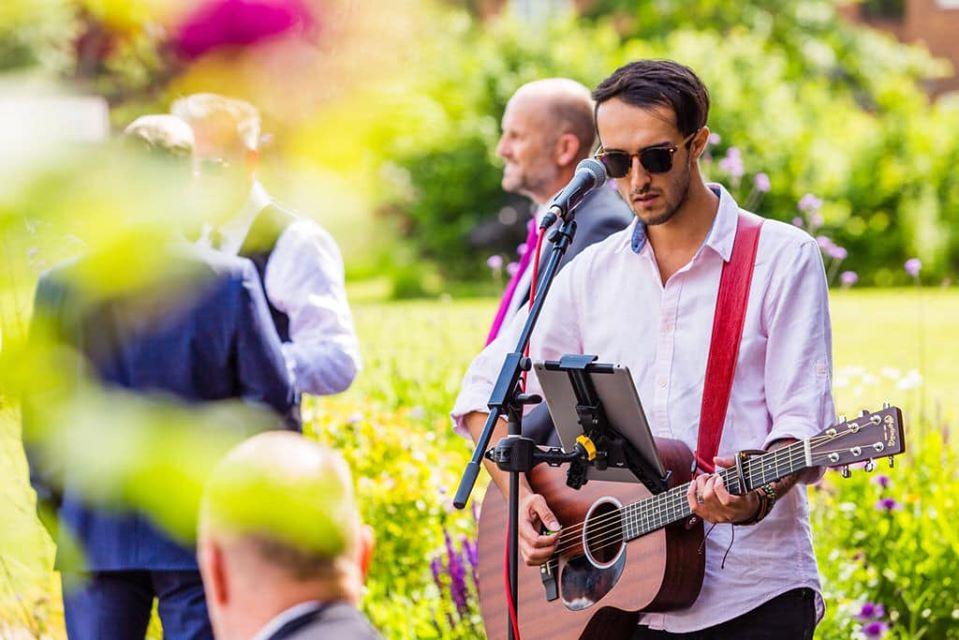acoustic singer for weddings